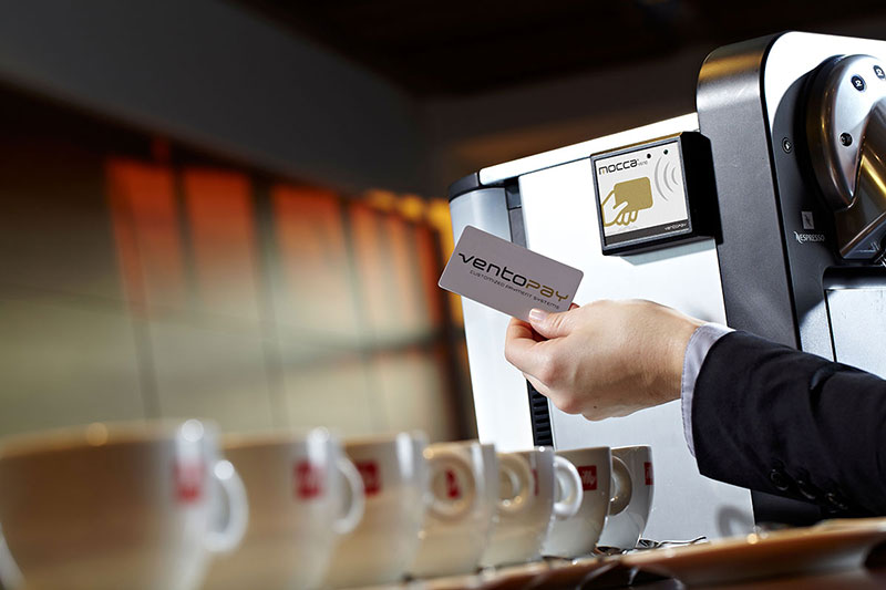 Bargeldlose Bezahlung am Kaffeeautomaten