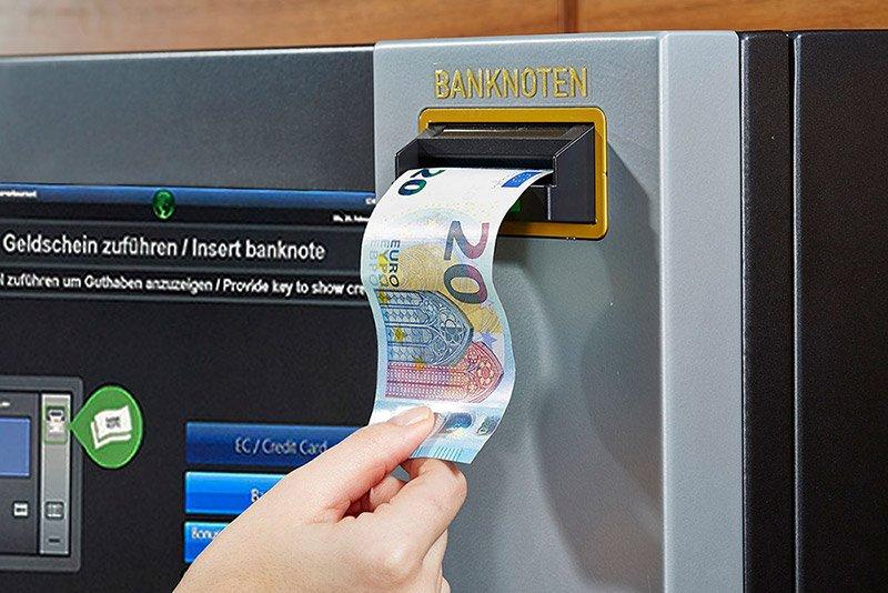 Aufwerten mit Banknoten